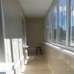Обшивка балконов и лоджий пластиком, цены на отделку балконо.